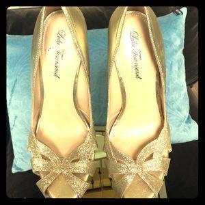 Lulu Townsend Size 10 Gold Heels